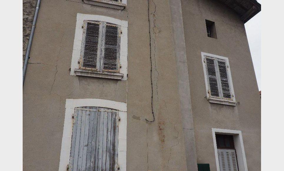 Maison de village 6 pieces - Charnècles