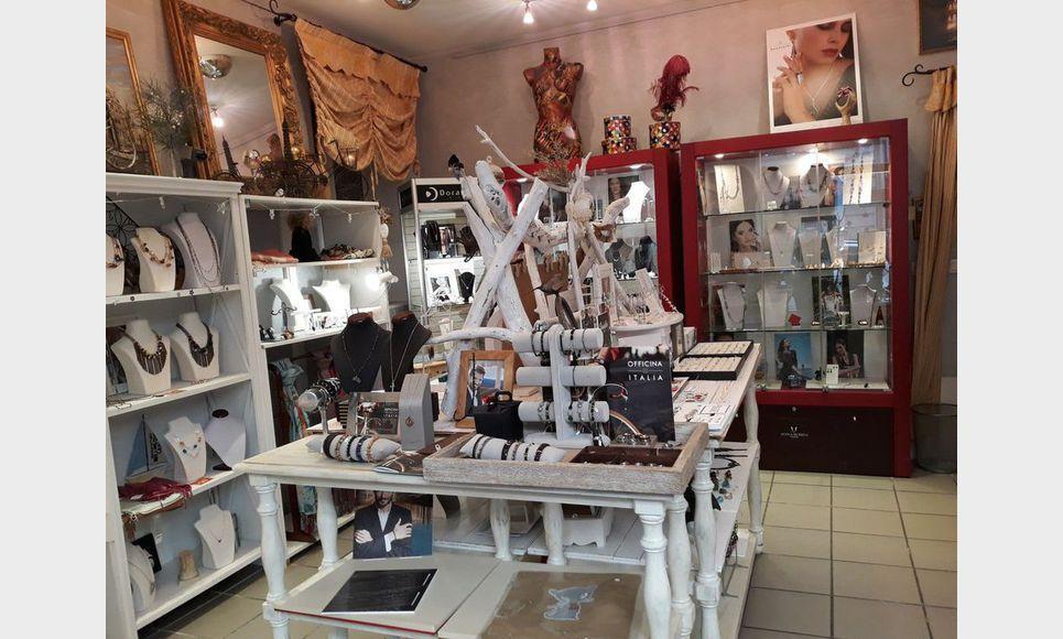 Tous commerces boutique 2 pieces - Voiron : Photo 1